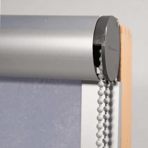 Das Foto zeigt einen Blendschutz von Innenrollos.