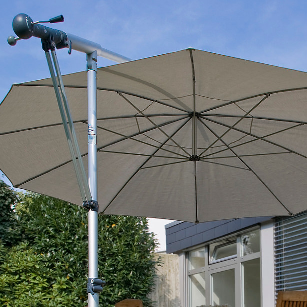 Das Bild zeigt ein Sonderbau-Sonnenschirm.